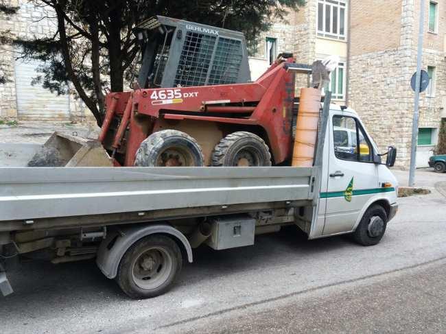 mezzi per scavo e spostamento terra