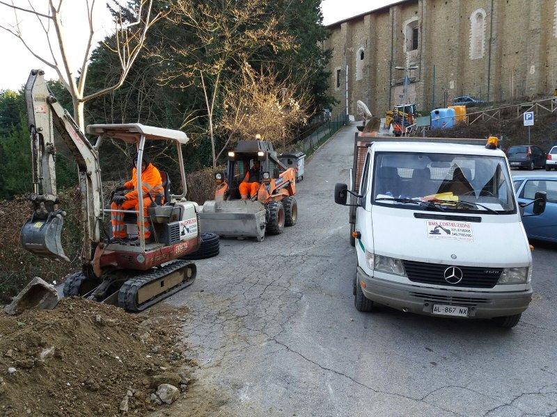 movimento terra per consolidamento strada in provincia di Pisa - Bms Costruzioni 1